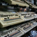 Roland_TR-909_&_TR-808_Rhythm_Composers_@_Five_G_music_technology,_Harajuku_-_2010-09-03_(by_j_bizzie)